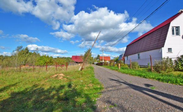 Участок 12 соток в деревне Федцово (ж/д станция в доступности)